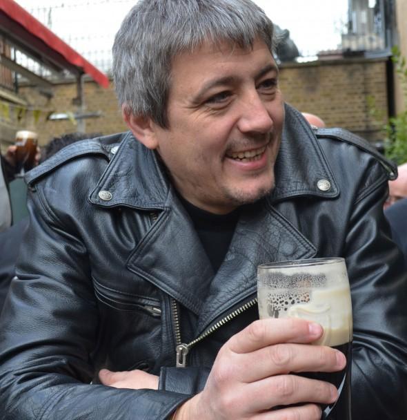 El escritor Javier Sagarna.