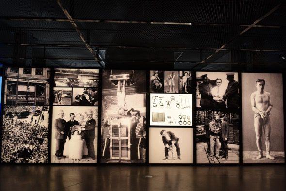 Una imagen de la exposición sobre Houdini en la Fundación Telefónica.