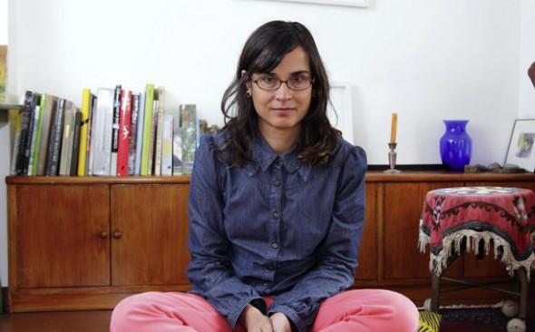 La escritora Carolina Sanín.