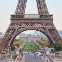 La base de la Torre Eiffel en París.  Foto: Manuel Cuéllar.