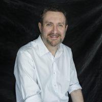 El escritor Luisge Martín, nuevo director de la revista Eñe.