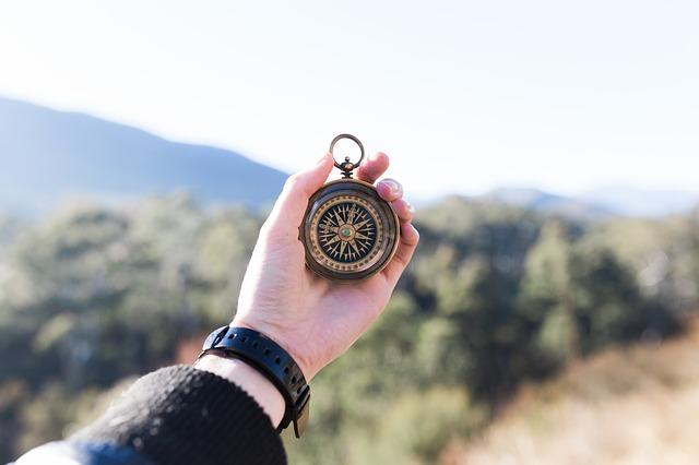 Una brújula. Foto Pixabay.