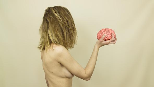 Imagen de la obra La (Mujer en obras) del festival Surge.