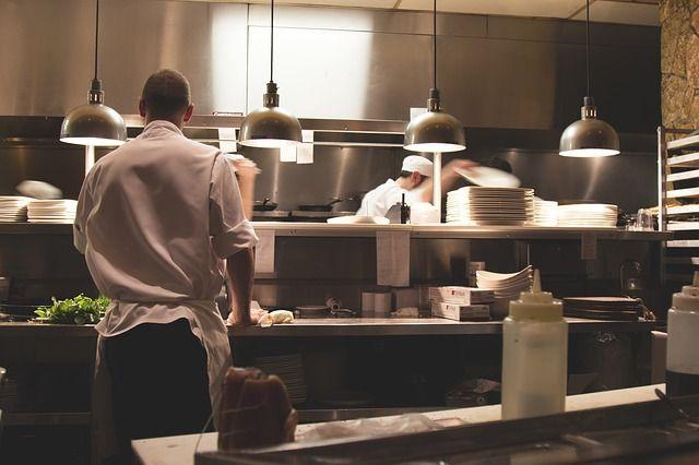 La cocina de un restaurante. Foto: Pixabay.