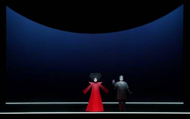 La soprano Irene Theorin y el tenor Gregory Kunde en una escena de la nueva producción de Turandot de Robert Wilson. Foto: Javier del Real.