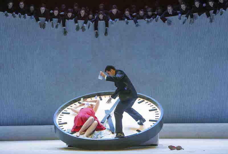 La versión de La Traviata de Willy Decker. Foto: Hans van den Bogaard.
